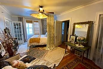 Living Room, 730 5th St SW, 1
