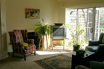 Living Room, 602 Cabell Ave, 1