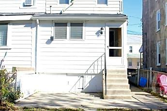 Building, 4334 Freeland Ave, 2