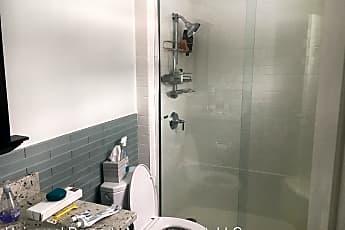 Bathroom, 35 Dow Ln, 2
