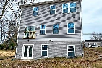 Building, 7808 Oak St, 0