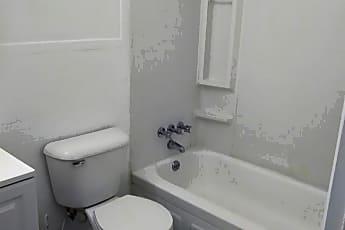 Bathroom, 99 Cedar St, 2