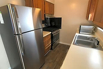 Kitchen, 111 Greenbriar Ct., 1