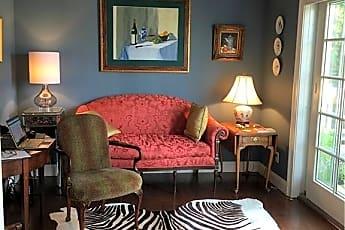 Living Room, 103 Main St, 0