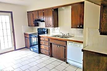 Kitchen, 121 Stonewood Dr, 2