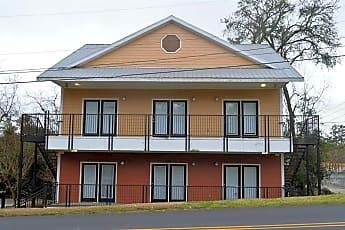Building, 207 Putnam Dr 1, 0