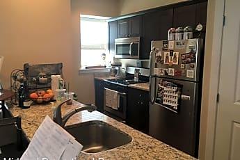 Kitchen, 2 Roberts Ave, 0