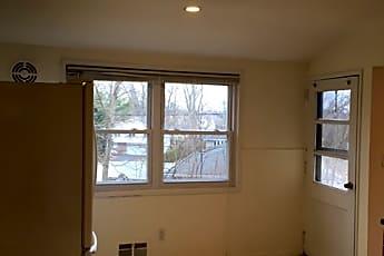 Living Room, 88 Michelle Dr, 2