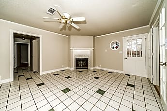 Living Room, 1103 N Lucas Dr, 1
