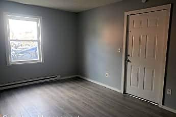 Living Room, 550 Baldwin St, 1