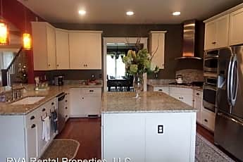 Kitchen, 2761 Live Oak Ln, 1