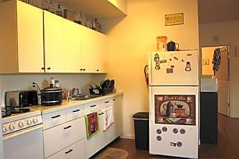Kitchen, 575 Nixon Ave, 1