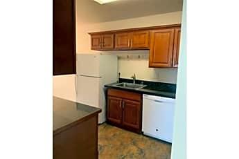 Kitchen, 2 Davis Dr, 2