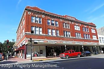 Building, 122 W Broughton St, 0