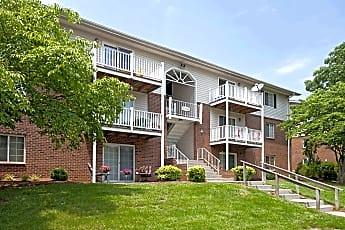 Building, Salem Wood Apartments, 0