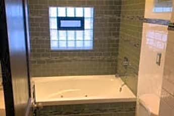 Bathroom, 1617 W 37th Pl 1, 1
