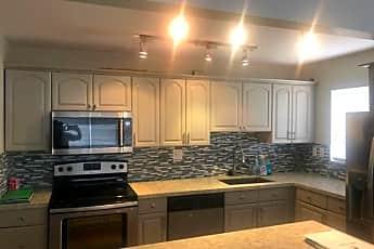 Kitchen, 2731 Taft St, 0