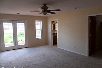 Living Room, 410 Wellesley Dr SE, 0