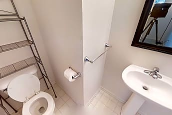 Bathroom, 1029 Maiden Ln, 2