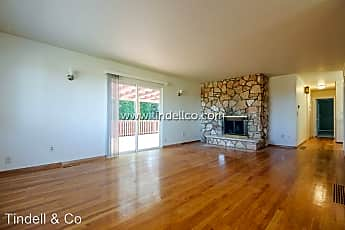 Living Room, 890 NW Riverview Ave, 0