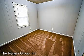 Bedroom, 104 Dent Ln, 2