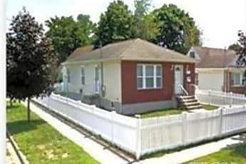 Building, 102 Pierson Ave, 0
