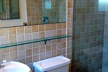 Bathroom, 140 Tamarisk Rd, 1
