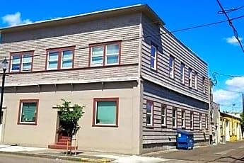 Building, 417 SE Lyon St, 0