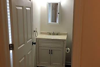 Bathroom, 2584 W 11th St, 2