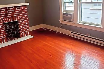 Living Room, 832 S 4th St, 1