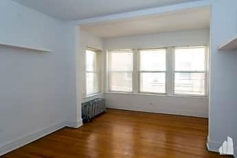 Building, 5045 S Damen Ave, 1