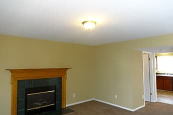 Living Room, 5785 Chase Run, 1