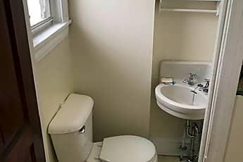 Bathroom, 1636 Wakeling St, 2
