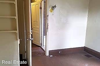 Building, 286 W Cottage Pl, 1