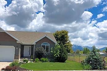 Building, 1080 N 2475 W, 1