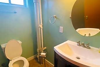 Bathroom, 388 E Truman Ave, 2