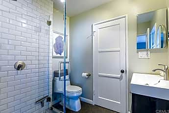 Bathroom, 2450 Bonnie Brae, 2