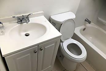 Bathroom, 907 N Rosedale St, 0