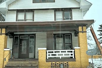 824 E Blackford Ave, 0