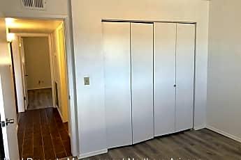 Bathroom, 3840 N Irving St, 2
