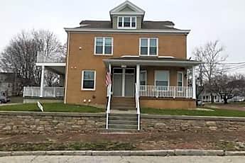 Building, 628 Henry St B, 0