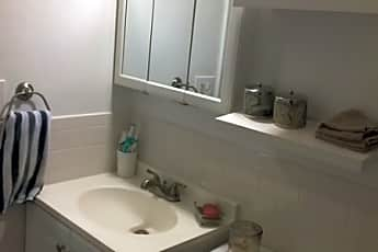 Bathroom, 15 Forest St C0002, 2