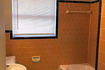 Bathroom, 3601 Bull St Apt 3, 2