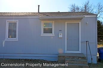 Building, 711 W 1st St, 0