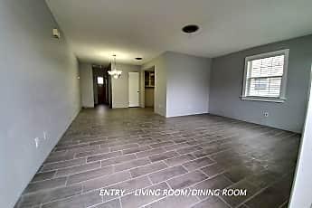 Living Room, 405 Auburn Dr., Apt 1, 0