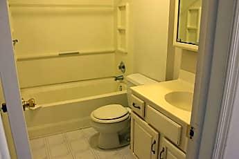 Bathroom, 31 Willow Ct, 2
