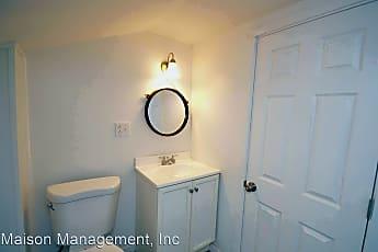 Bathroom, 275 Pearl St, 2