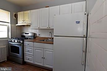 Kitchen, 832 S Greenbrier St 1, 2