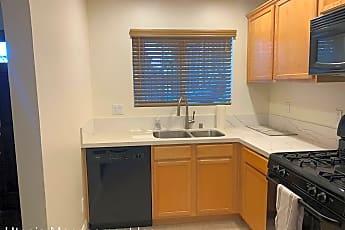 Kitchen, 921 E 4th Street Unit #10, 1