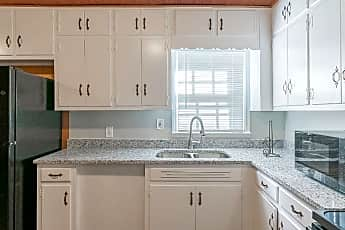 Kitchen, Room for Rent -  a 8 minute walk to bus 193 &, 0